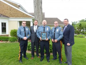 Officers receive award from the 200 Club.
